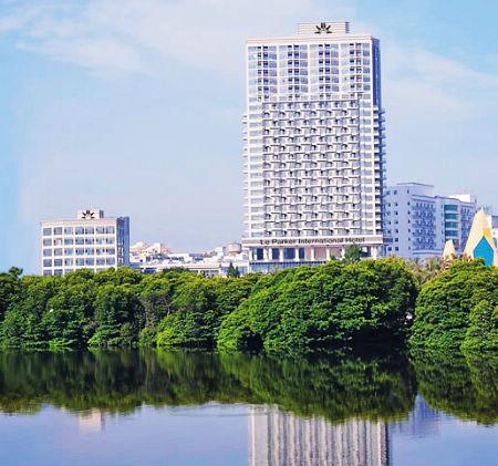 令游客在欣赏三亚碧海蓝天之际,在黎客国际酒店得到全身心放松.